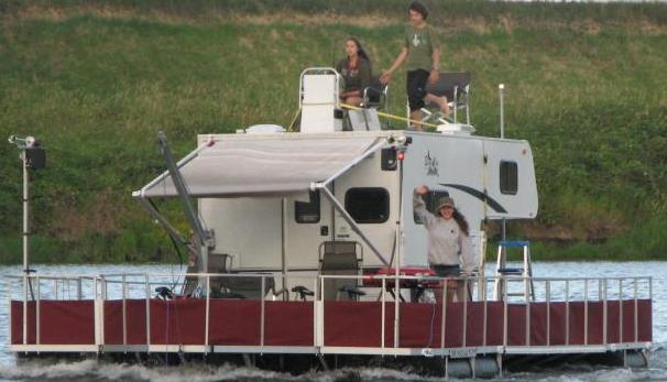 Camper on a floating Barge